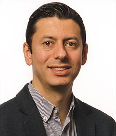 Dr. Julián Conejo