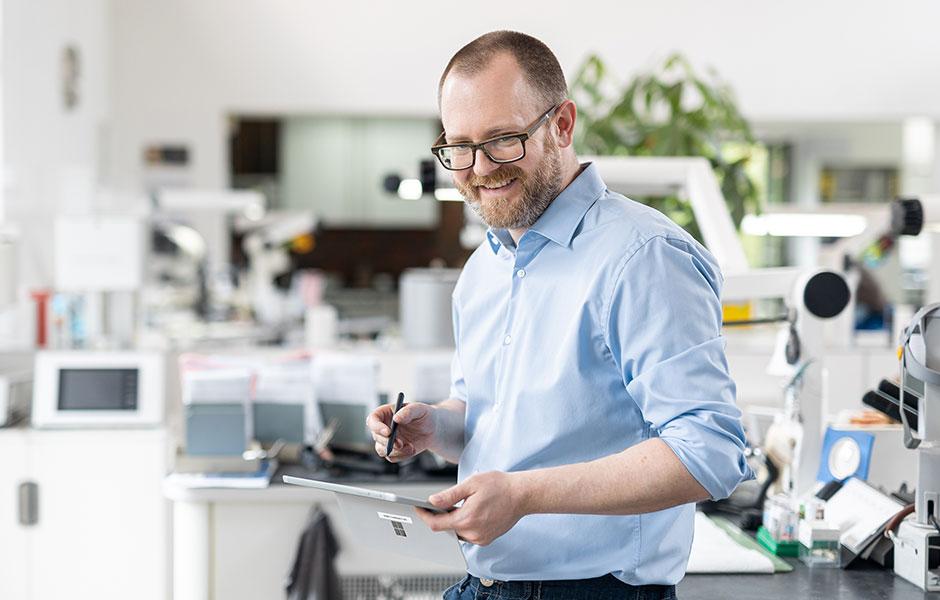 Master Dental Technician Stephan Juckel in his laboratory